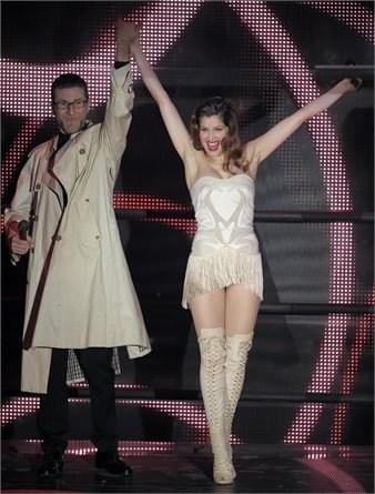 Look Laetitia Casta