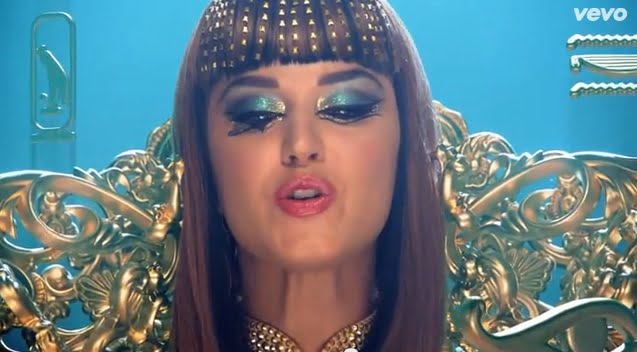 look make up Katy Perry Dark Perry