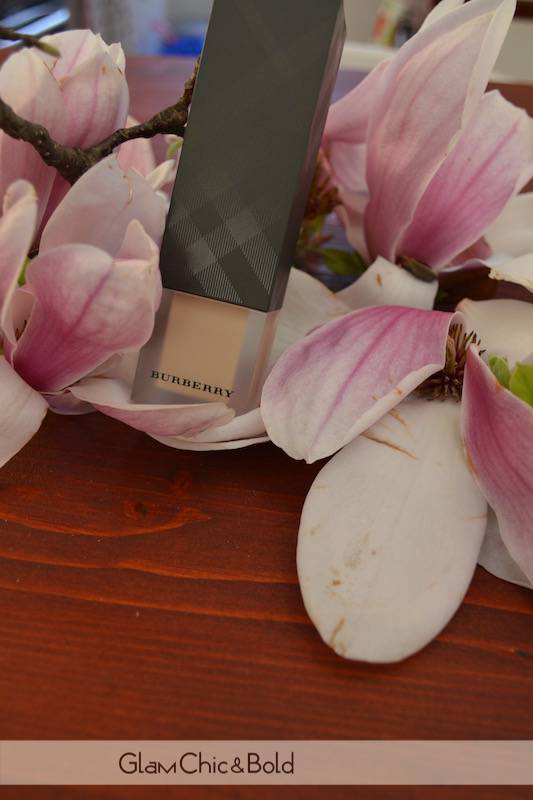 Foundation Ochre Nude n°12 Burberry