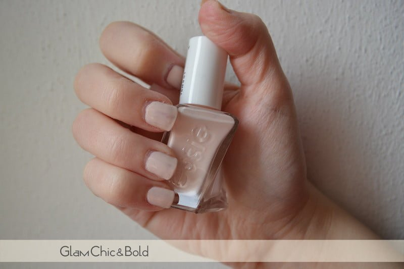435 Lace Me Up Essie Ballet Nudes