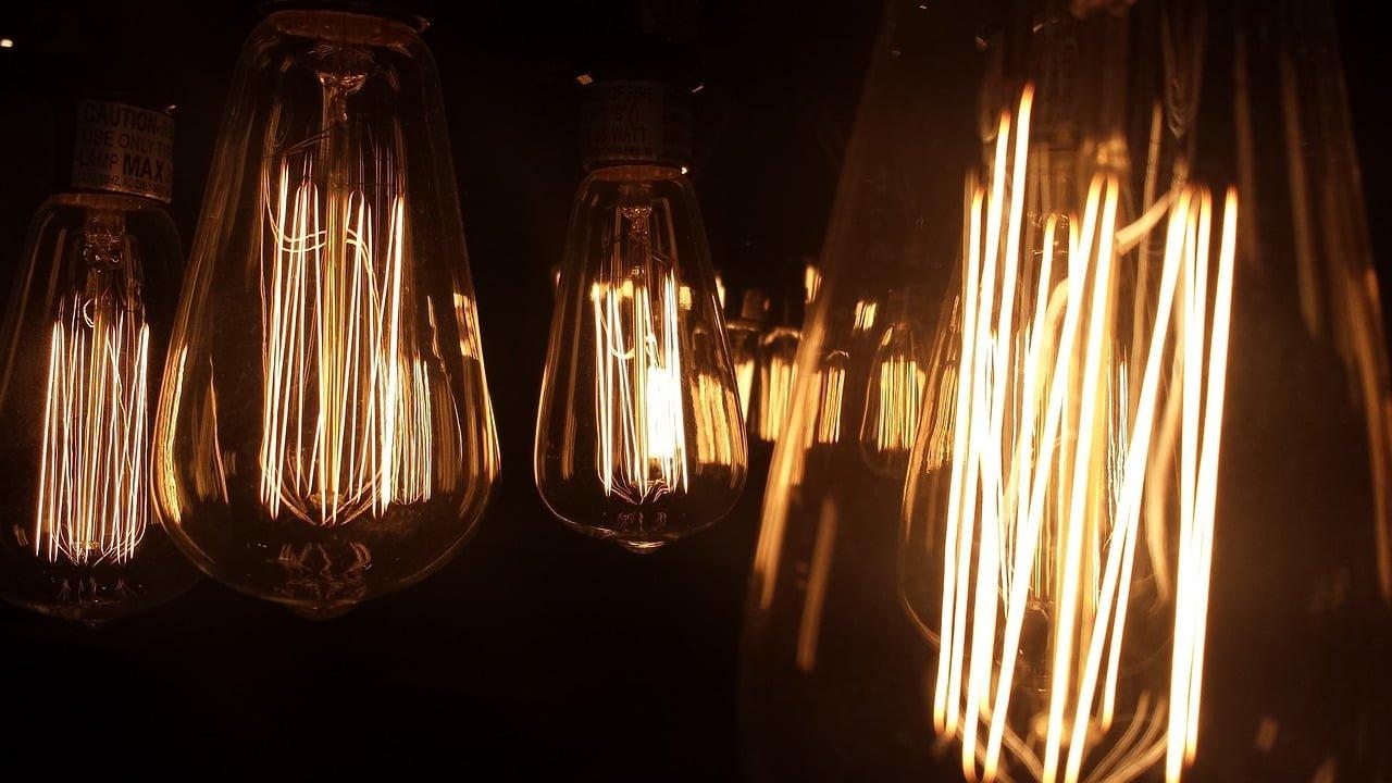 Stile industriale e illuminazione vintage - GlamChicBold